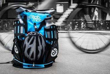 Cádomotus débarque dans le monde du triathlon avec son sac de transition